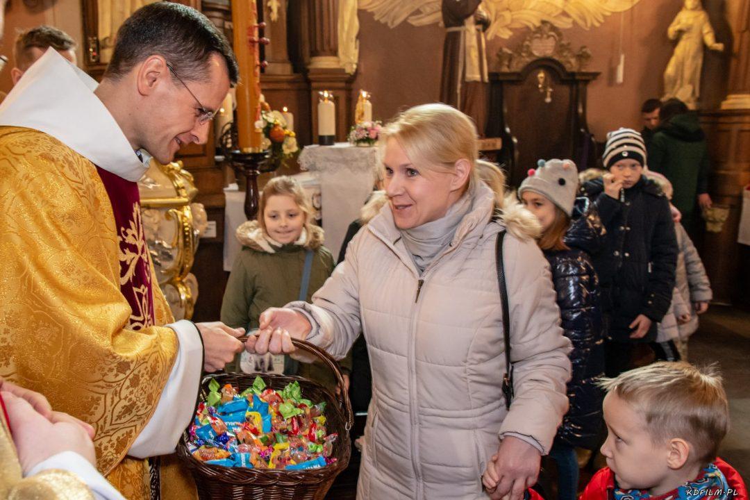 Wprowadzenie relikwi bl Jolenty Franciszkanie Torun 2019 31