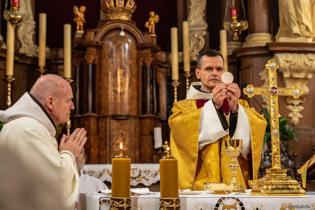 Wprowadzenie relikwi bl Jolenty Franciszkanie Torun 2019 38